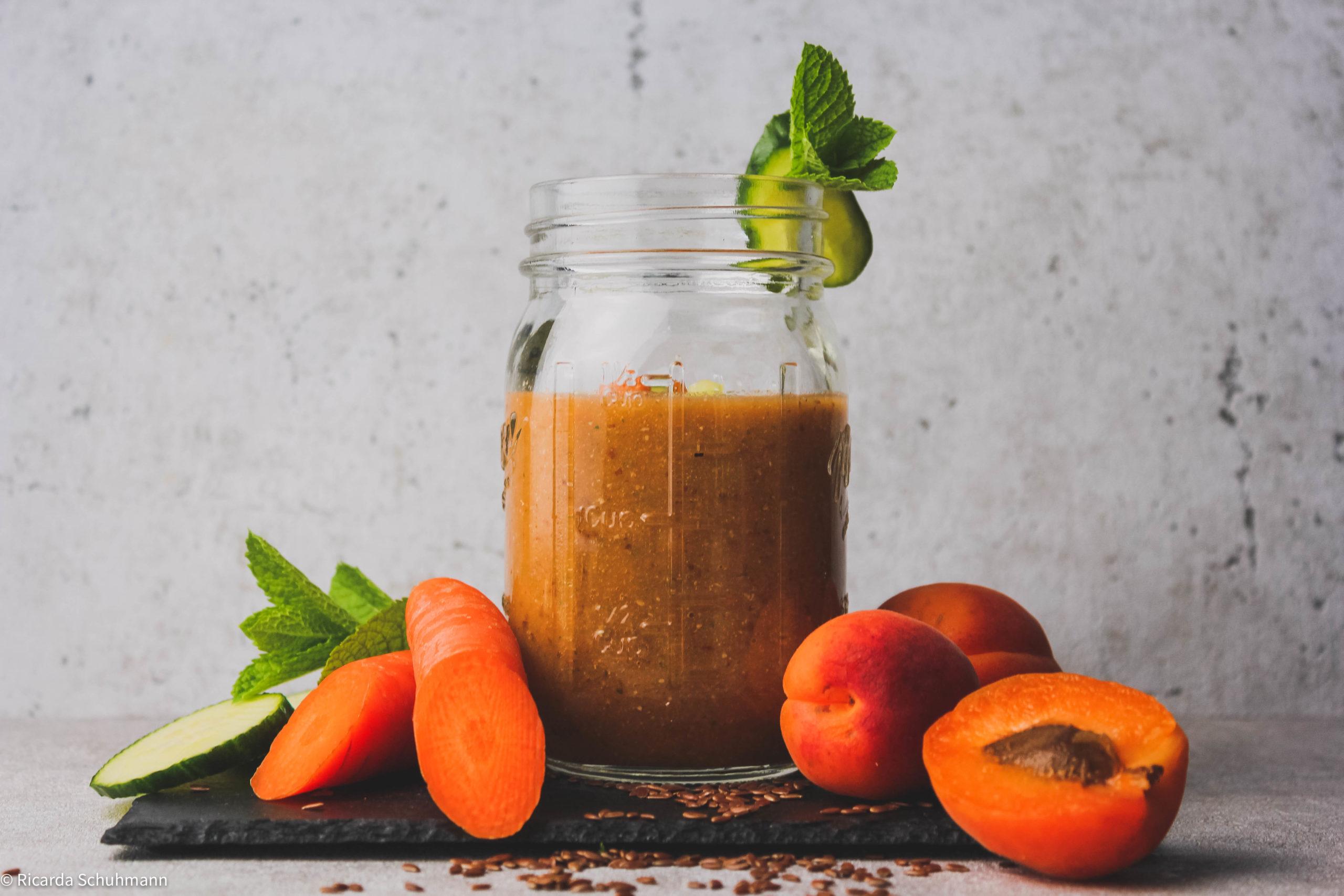 Wasserkefir-Smoothie mit Haferflocken und Orange