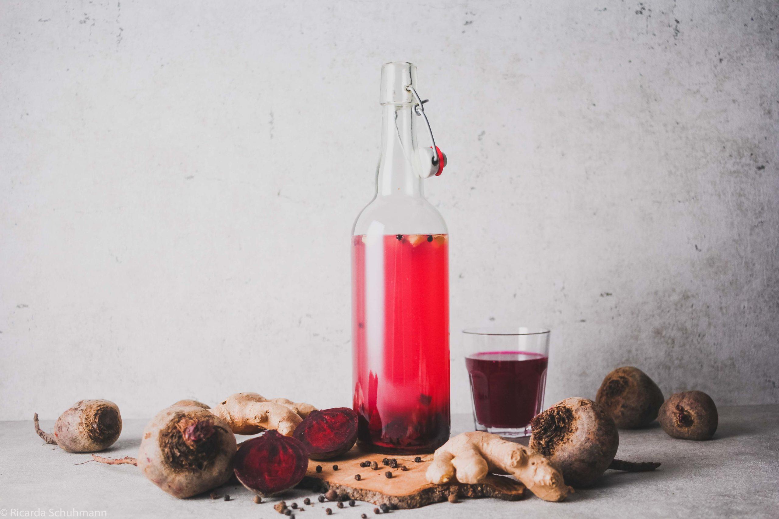 Wasserkefir mit Rote Bete, ingwer und Pfeffer in der Zweitfermentation