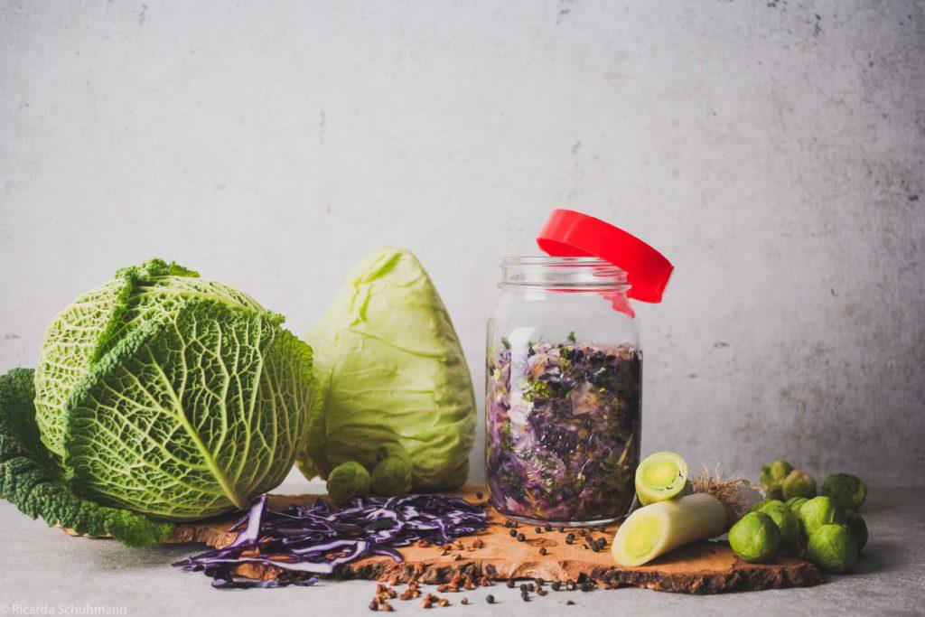 Fermentierter Winterkohl-Mix mit asiatischer Geschmacksnote