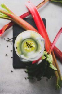 Wasserkefir fermentiert mit Rhabarber und Zimtblüte