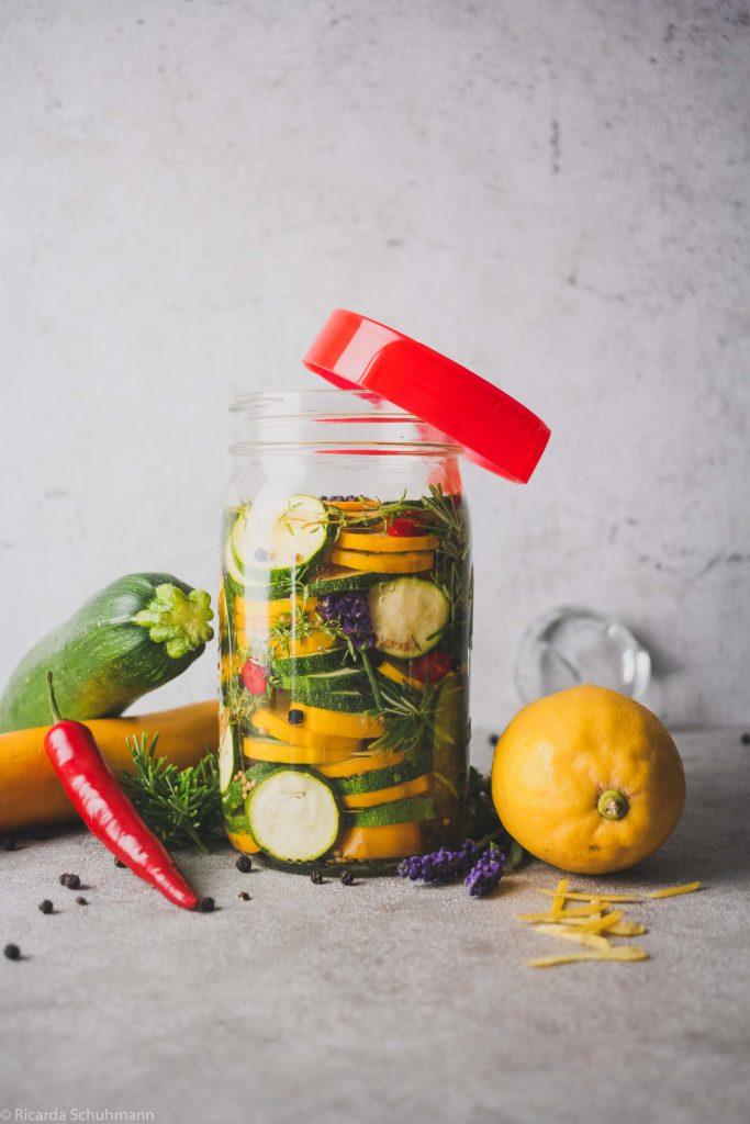 Sommerliche Zucchini mit mediterranem Geschmack