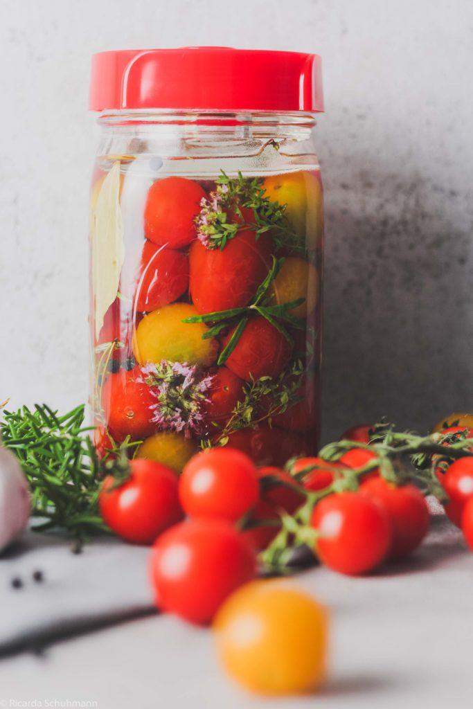 Fermentierte Tomaten mit mediterranem Flair